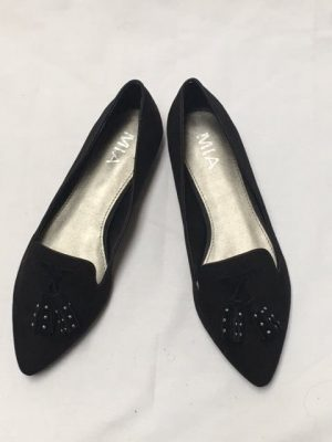 Black suede loafers with tassells